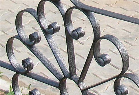 Декорирование кованых конструкций