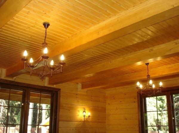 Деревянное перекрытие подойдет для частных домов