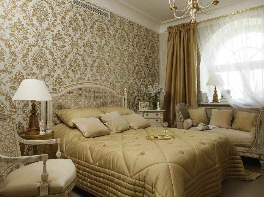 Дизайн спальной комнаты и обои в классическом стиле