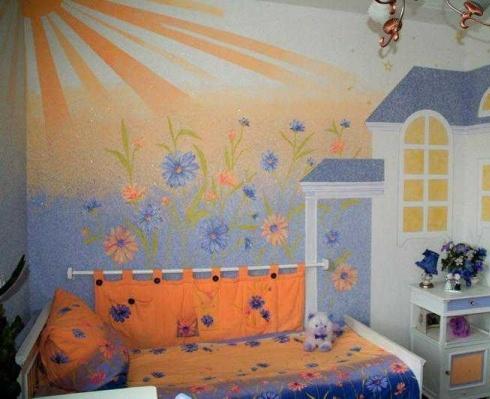 Допускается даже отделка стен детской комнаты