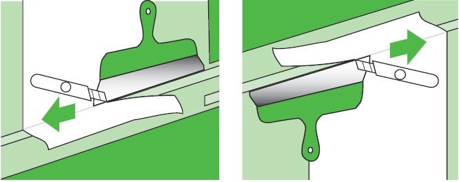 Если уж не удалось спрятать обои на углах вверху и внизу за плинтуса, приходится делать припуск и затем очень аккуратно обрезать