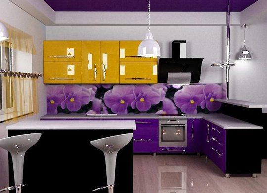 Фартук в фиолетовом цвете – отличное решение для кухни