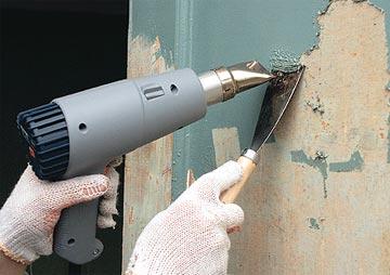 Фен и шпатель для снятия лакокрасочного покрытия