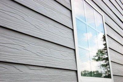 Фиброцементный сайдинг имитирует деревянную обшивку