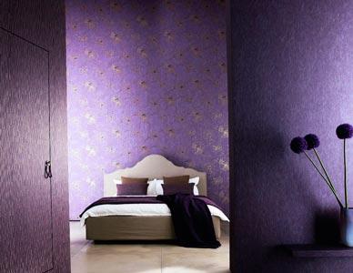Фиолетовые оттенки в спальне