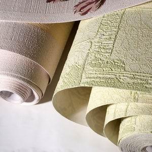 Флизелиновые материалы обладают хорошей плотностью, но требуют наличия специального клея