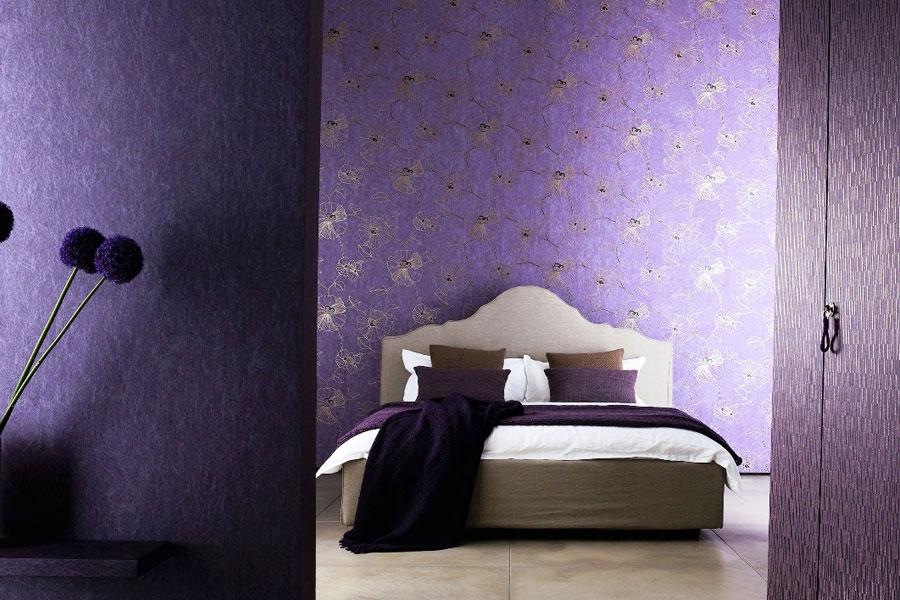 Флизелиновые обои в интерьере спальни
