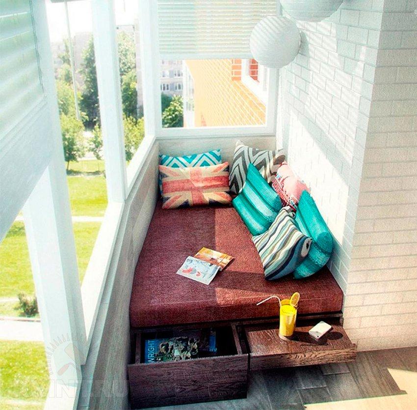 Плюсы и минусы спальни на балконе