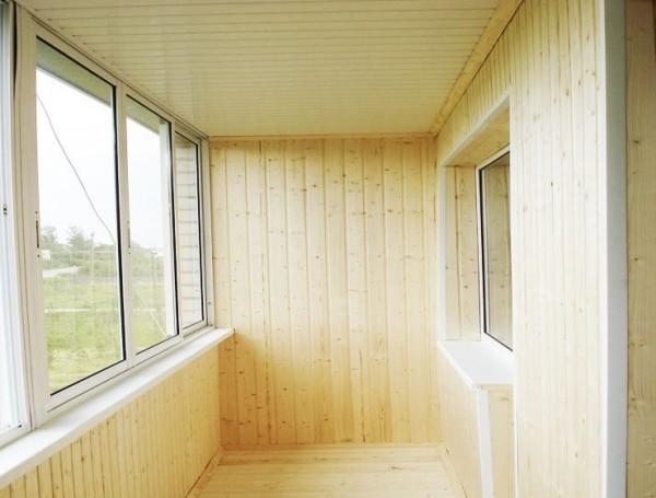 Фото балкона с облицовкой