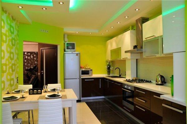 Фото кухни, обклеенной обоями