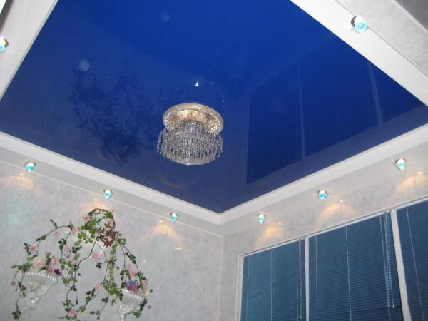 Фото: натяжное полотно может преобразить не только потолок – изменит комнату до неузнаваемости!