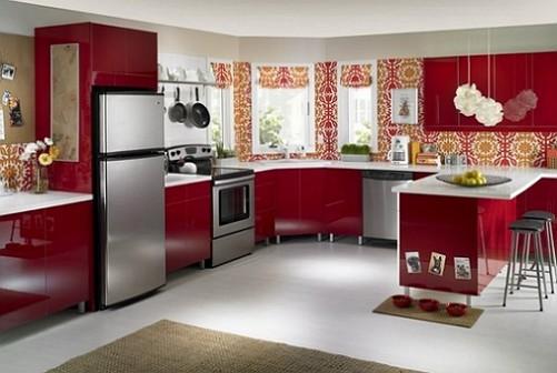Горячие цвета уместны в больших помещениях