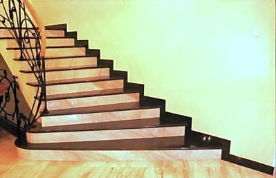 Готовая к эксплуатации лестница