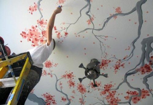 Художественная роспись на потолке с использованием специальных материалов