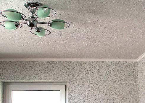 Иллюзия «мешка» благодаря однотипности отделки потолка и стен