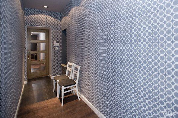 Использование определенных узоров создаст иллюзию объема даже в узком коридоре