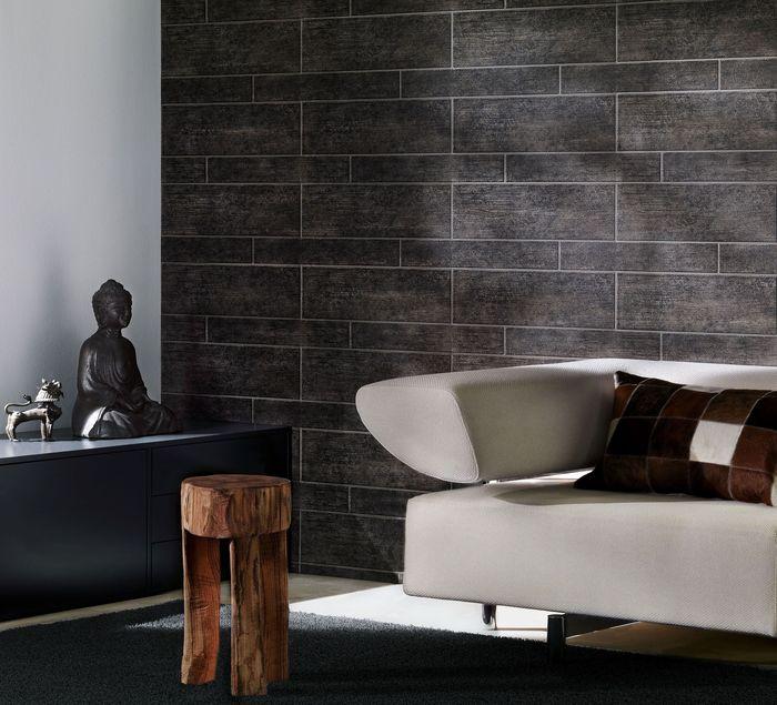Использование таких материалов позволяет подчеркнуть строгость или свободную линию форм всех элементов в комнате
