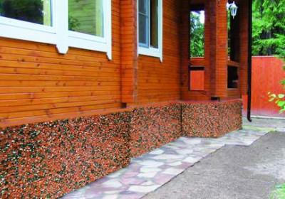 Использование всевозможных декоративных средств позволяет создавать красивые и оригинальные фасады.