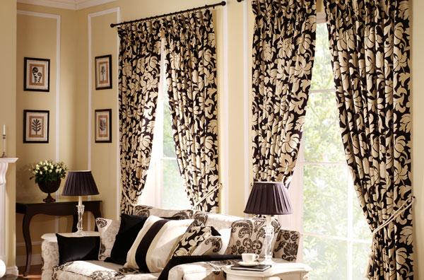 Использование занавесок в качестве самостоятельного предмета интерьера, вокруг которого базируется весь дизайн комнаты