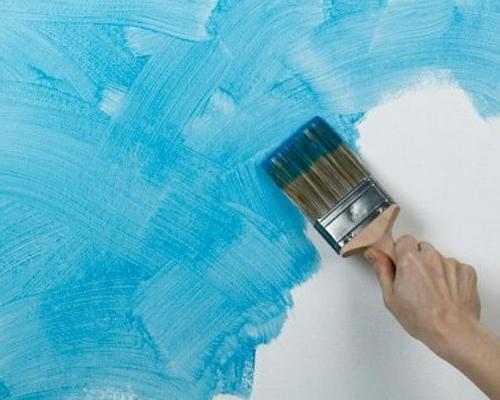 Используя различные технологии нанесения состава на поверхность можно получить оригинальные рисунки или узоры