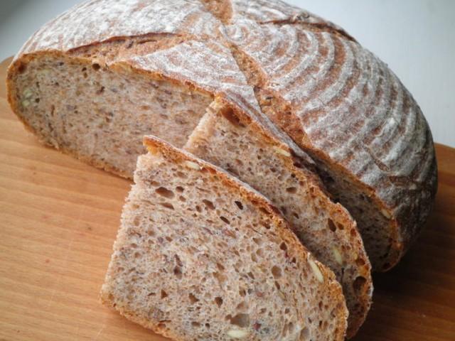 Из сырья грубого помола пекут замечательный хлеб.