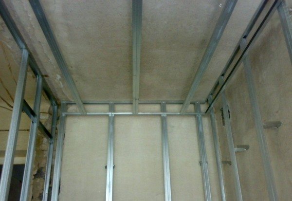 Каркас для обшивки стен и потолка.