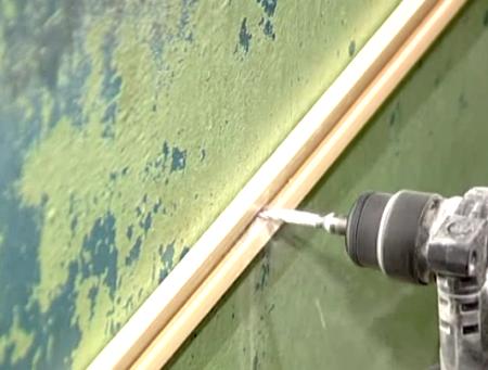 Каркасный метод монтажа с реечной обрешеткой из пластика.