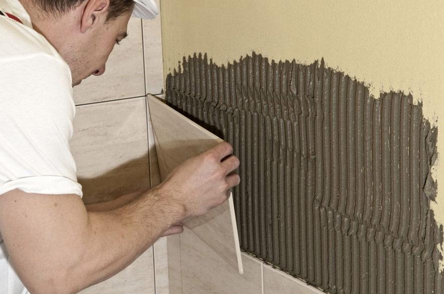 Керамическая плитка также может служить отделочным материалом для стен гаража