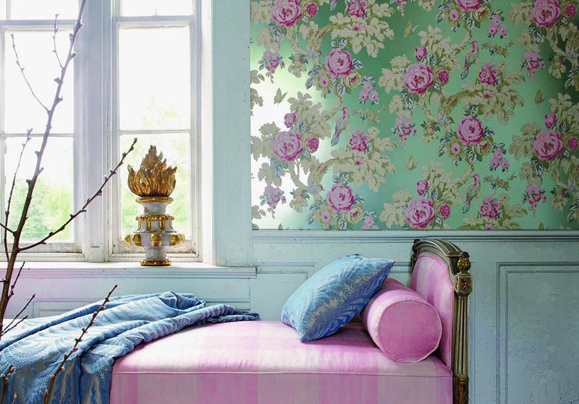 Классическая вставка материала с цветочным принтом в спальне