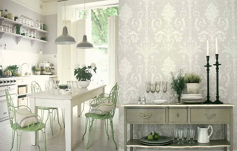 Классический дизайн для кухни и обои с орнаментом