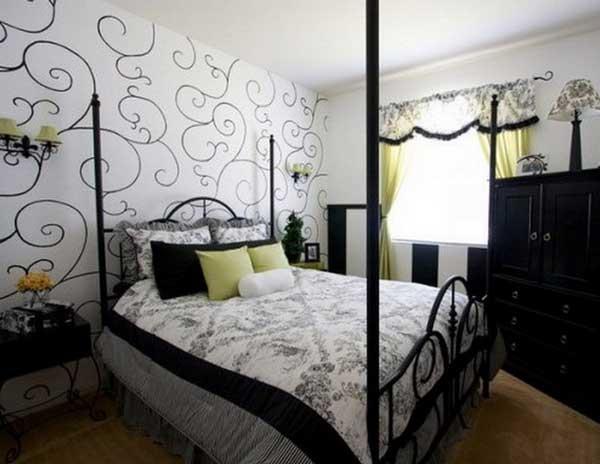 Комбинирование полотен в спальной комнате.