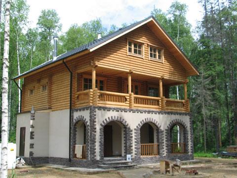 Комбинированная отделка дома.