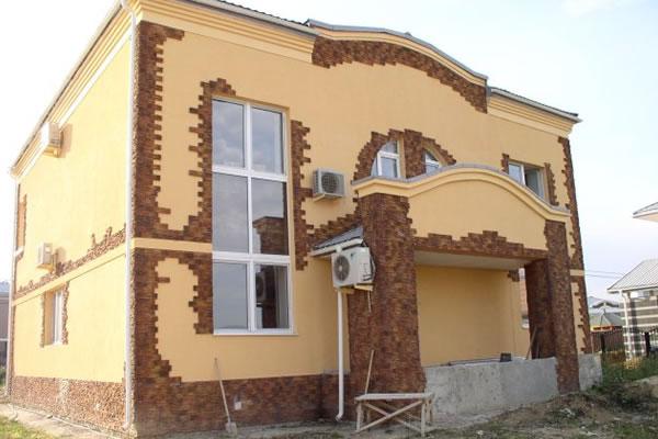 Комбинированная отделка фасада