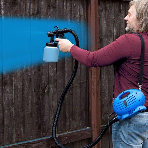 Краскораспылитель низкого давления позволяет ускорить процесс покраски и повысить его качество.