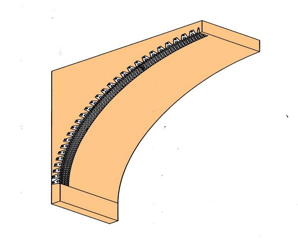 Крепим уголки (из алюминия или ПВХ с сеткой) под штукатурку.