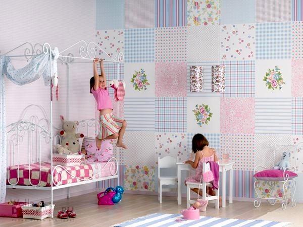 «Лоскутная» стена детской комнаты смотрится потрясающе