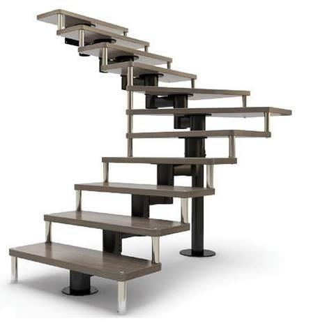 Модульная конструкция с деревянными ступенями.