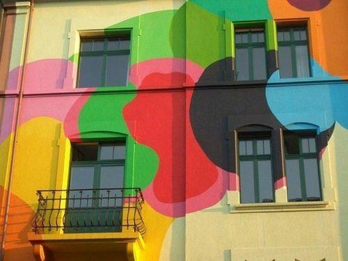 На фото - эстетическая привлекательность современных фасадных красок