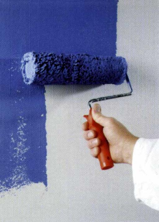 На фото - изменить цвет стен можно за считанные часы