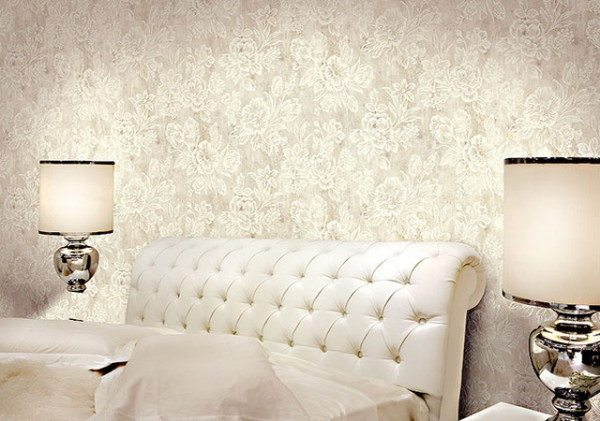 На фото - текстильные поверхности в спальной комнате