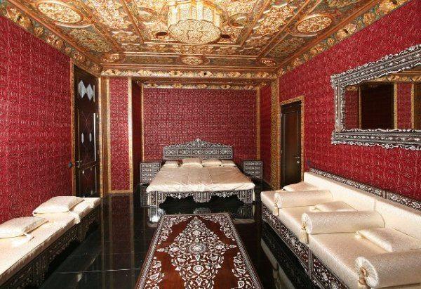 На фото – пример арабской гостиной