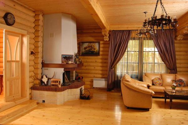 На фото- пример обустройства деревянного дома