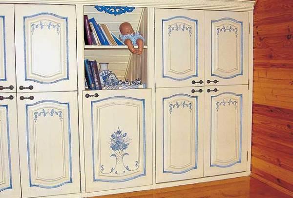 На фото – пример реставрации мебели