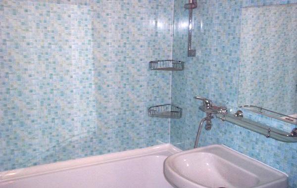 На фото отделочные 3 d панели уже в ванной комнате, всегдашней вотчине плитки