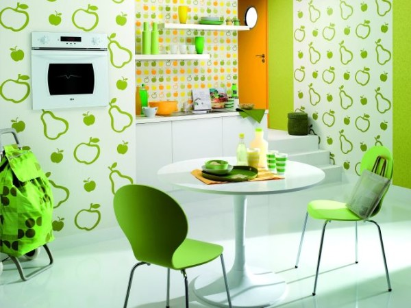 На фото показано комплексное оформление кухни в молодежном стиле.