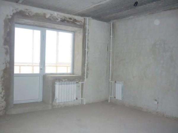 На фото: после черновой отделки стены, пол и потолок готовы к финишным работам, и все коммуникации протянуты