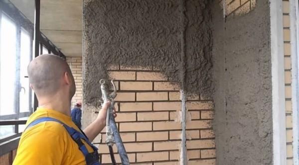 Набрызг цементно-песочного раствора