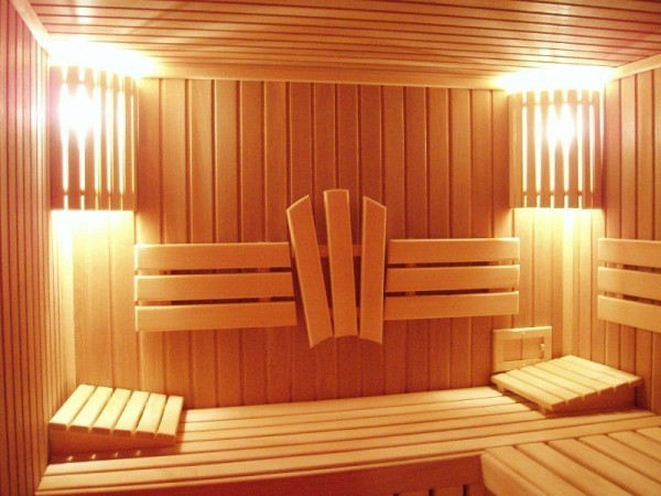 Наиболее практичный материал для отделки парилки – деревянная вагонка