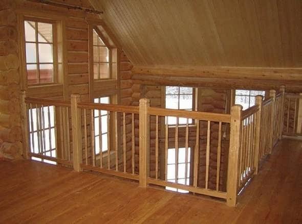 Наиболее привычно вагонка смотрится в деревянном доме.