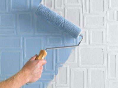 Нанесение краски на рельефную поверхность обоев